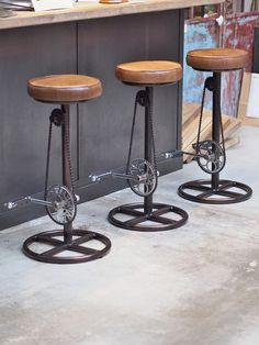 Industrial bike stool – by catovanlief Top Furniture Stores, Car Part Furniture, Steel Furniture, Funky Furniture, Recycled Furniture, Sofa Furniture, Furniture Design, Furniture Removal, Office Furniture