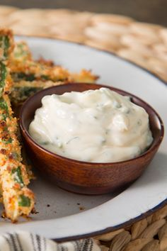 Paula Deen Garlic Herb Mayo - goes great with crispy oven zucchini fries. Dip Recipes, Cooking Recipes, Best Dishes, Side Dishes, Pasta, It Goes On, Appetizer Dips, Fresh Herbs, Snacks