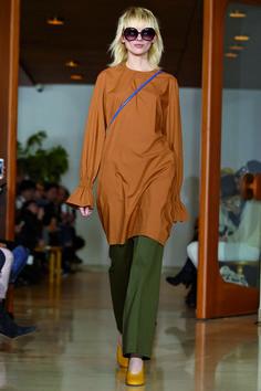 Marimekko Spring/Summer 2017 collection at Paris Fashion week Fashion News, Fashion Show, Fashion Design, Paris Fashion, Marimekko Dress, Spring Fashion 2017, Autumn Inspiration, Capsule Wardrobe, Ready To Wear