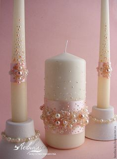 A unification candle is typically a candle applied to a wedding ceremony to symbolize two people becoming a member in marriage. Candle Centerpieces, Diy Candles, Pillar Candles, Bougie Candle, Baptism Candle, Wedding Decorations, Christmas Decorations, Candle Art, Wedding Unity Candles