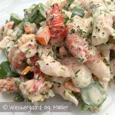 Let og lækker skaldyrssalat recipe main photo Shellfish Recipes, Seafood Recipes, Cooking Recipes, Seafood Salad, Fish And Seafood, Sandwiches, Fish Dishes, Snacks, Restaurant Recipes