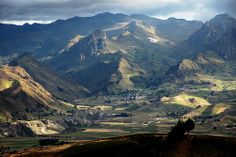 View of the mountains surrounding the village of Zumbahua, Ecuador. Prudhoe Bay, Quito Ecuador, Equador, Galapagos Islands, Love Pictures, Beautiful World, South America, Mountains, Google Search