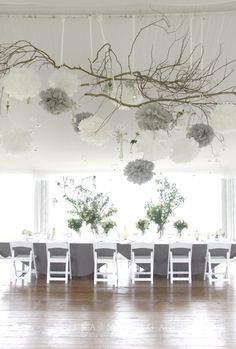이미지 출처 http://1.bp.blogspot.com/-gqyqSntkoMw/UA28iJMKaVI/AAAAAAAAMRs/CsHrUb5wJ20/s1600/hanging-weddding-decorations-decor-4.jpg