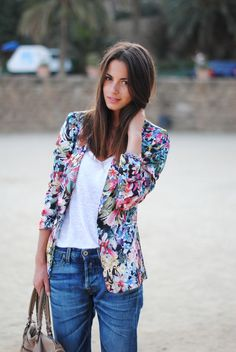 Stylish ways to wear a FLORAL BLAZER: #1: Pair it with tailored shorts to create a summer suit. #2: Style it with denim for a more classic take.
