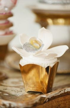 Geminie Photography makes Connie Cupcake look Sweet! Elegant Cupcakes, Beautiful Cupcakes, Cupcake Art, Cupcake Cakes, Cup Cakes, Ontario, Toronto, Cupcake Photography, Cupcake Pictures