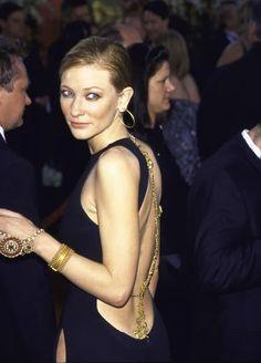 Random Things I love: Cate Blanchett's Jean-Paul Gaultier Oscar Gown (2000) - Iris' Journal