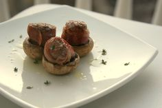 petit filet mignon Filets, Good Food, Filet Mignon, Clean Eating Foods, Eating Well, Yummy Food