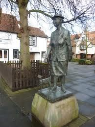 Dorothy L Sayers statue In Newland Street, Witham. It is near the DLS Centre which archives her works and related materials.