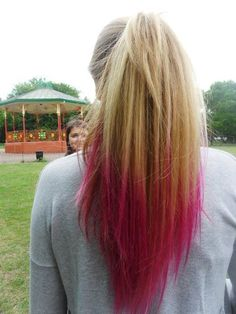 Probably gonna dye my hair like this.I love this dip n dye thing where you get a certain amount of your hair dyed at the bottom Hair Dye Colors, Hair Color Blue, Cool Hair Color, Pink Hair, Blonde Hair, Dip Dye Hair, Dye My Hair, Dip Dyed, Funky Hairstyles