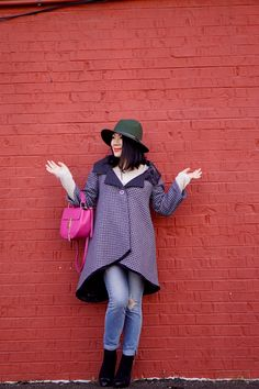 Petite fashion winter Street style olive wool hat + MP fashion grey coat + Joe's jeans + Pink bag +Soft black bootie