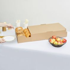 """LBP 9632 23 9/16"""" x 13 1/4"""" x 4 3/4"""" Extra Large Catering Tray with Cover - 15/Case"""