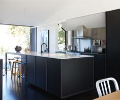 A contemporary kitchen that's comfortable and hardworking - Homes To Love