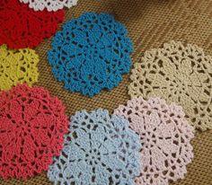 Barato Grátis frete 100% algodão colorido da mão Doily feito Crochet copo mat 10 CM 20 pçs/lote, Compro Qualidade Tapetes e pads diretamente de fornecedores da China:       Padrão Enviar branco, se você precisa de cores brancas . Entre em contato comigo .           &nb