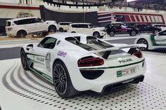 Dubai Police Cars - Polizeiautos - Porsche 918 Spyder http://autopartstore.pro/AutoPartStore/