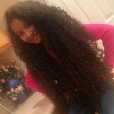 @curlybluelove || long natural hair. Curly Rapunzel. Via @curlybluelove