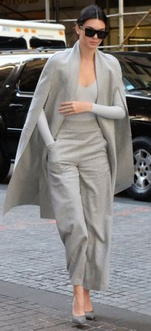 Love Kendall Jenner's casual and chic street style! Mode Outfits, Casual Outfits, Fashion Outfits, Womens Fashion, Latest Outfits, Fashion Clothes, Fashion Tips, Fashion Trends, Look Fashion