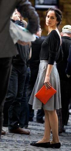 Garance Doré in Istambul Divas, Orange Clutches, Street Portrait, Red Clutch, Vogue, Grand Bazaar, Red Bags, Skirt Outfits, Shades Of Green