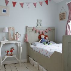 Natural tones | Traditional children's room ideas | PHOTO GALLERY | Ideal Home | Housetohome.co.uk