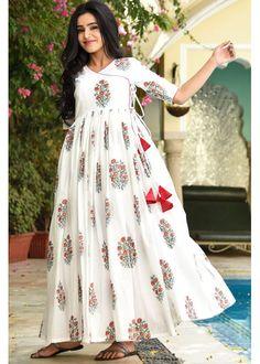 Heavy rayon digital printed kurti rutba khan vol 5 08 Indian Designer Outfits, Designer Dresses, Long Dress Design, Kalamkari Dresses, Indian Gowns Dresses, Maxi Dresses, Frock Fashion, Fashion Dresses, Cotton Gowns