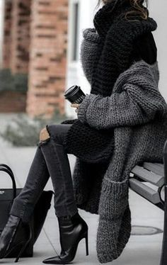 60 womens styles for this winter season. 2019 60 womens styles for this winter season. The post 60 womens styles for this winter season. 2019 appeared first on Sweaters ideas. Winter Fashion Outfits, Fall Fashion Trends, Chic Outfits, Trendy Fashion, Winter Outfits, Autumn Fashion, Womens Fashion, Winter Layering Outfits, Mode Outfits