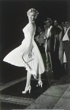 Marilyn Monroe during filming of the famous 'subway scene' in The Seven Year Itch, NYC by Elliott Erwitt, 1954 Marilyn Monroe, Elliott Erwitt, Girl D, Movie Shots, Nyc, Documentary Photographers, Blog Images, Norma Jeane