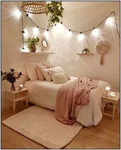 24 Brilliant Dorm Room Decor Ideas With Small Space&; 24 Brilliant Dorm Room Decor Ideas With Small Space&; bodenard bodenard chalcried 24 Brilliant Dorm Room Decor Ideas With Small […] room decor items Bedroom Decor For Teen Girls, Room Ideas Bedroom, Small Room Bedroom, Bedroom Furniture, Bedroom Inspo, Cute Teen Rooms, Teenage Girl Bedrooms, Bedrooms Ideas For Small Rooms, Bedroom Ideas For Small Rooms For Teens For Girls