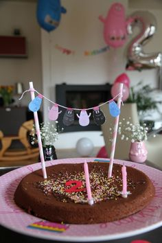 Barbapapa cake bunting. Elias 2nd birthday - Barbapapa theme