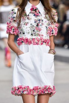 Spring 2015 Details Chanel at Paris Collection. Floral Bouquet.