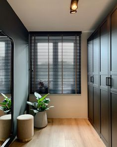 Living Room White, Home Living Room, Inside A House, Home Room Design, Home And Deco, Modern House Design, Home Decor Bedroom, Interior Design, House Styles