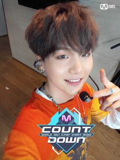 Suga ❤ MCOUNTDOWN Yoongi Selfie, Ep.473 Line up|World No.1 KPOP Chart Show. Do you see his finger tho?? Magic? #BTS #방탄소년단