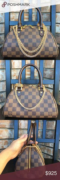 6ee1a1557141 Louis Vuitton mini bag crossbody Authentic. Date code CA0052. In like new  condition.