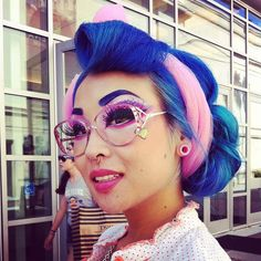 Amelia Nightmare of Sugarpill at IMATS! Isn't she lovely? Wish blue hair looked as good on us as it does on her.