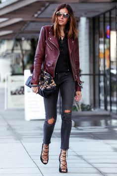 burgundy leather jacket outfit, I've always wanted one! Burgundy Leather Jacket, Leather Jacket Outfits, Maroon Jacket, Red Leather, Suede Jacket, Looks Chic, Looks Style, Fall Winter Outfits, Autumn Winter Fashion