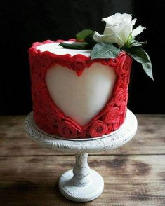 We will give you various cake design ideas for your reference Beautiful Cakes, Amazing Cakes, Cake Cookies, Cupcake Cakes, Bolo Minnie, Valentines Day Cakes, Cake Trends, Cake Images, Fancy Cakes