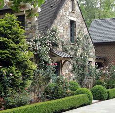 love the stone walls and roses home_highlight