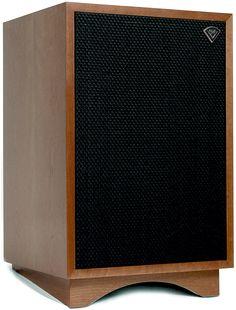 Klipsch Heritage Series Heresy III Walnut Floorstanding Speaker (Each) Klipsch Speakers, Room Speakers, Home Audio Speakers, Hifi Audio, House Speaker, Audiophile Turntable, Hifi Amplifier, Loudspeaker, Here Comes The Boom