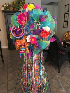 Fiesta San Antonio Mexican Christmas Decorations, Fiesta Decorations, Candy Castle, Mexican Party, Fiesta Party, Mesh Wreaths, Creative Crafts, Felt Crafts, San Antonio