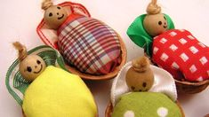 Roztomilá vánoční miminka Christmas Ornaments, Holiday Decor, Home Decor, Decoration Home, Room Decor, Christmas Jewelry, Christmas Decorations, Home Interior Design, Christmas Decor