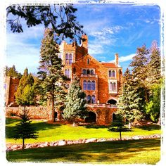 Glen Eyrie Castle ~ Colorado Springs, CO. I've actually been here- soooo beautiful!!