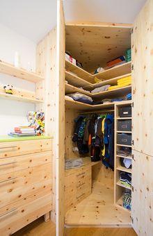 Einrichtungsprojekte Inspirationen Tischlerei Laserer Eckschrank Schlafzimmer Eckschrank Kinderzimmer Einbauschrank
