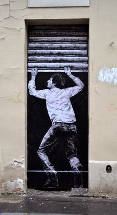 ... o Artista Que Embeleza Paredes... Nas Ruas de Paris