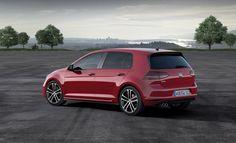 Automotoboutic.com propose des produits pour la protection et la personnalisation de votre Volkswagen Golf VII. Découvrez vite nos produits ! http://www.automotoboutic.com/ #tapissurmesure #couvrevolant #houssedesiege