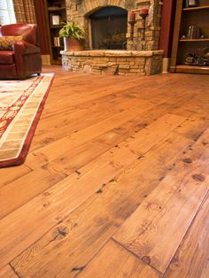 The Hottest Home-Improvement Technologies and Trends: It's wonderful there are now so many building materials made from composites and alternative resources, but sometimes it is nice to have the real thing. This beautiful heart-pine floor is a great examp Wide Plank Flooring, Solid Wood Flooring, Diy Flooring, Unique Flooring, Flooring Ideas, Planks, Heart Pine Flooring, Pine Floors, Hardwood Floor Colors