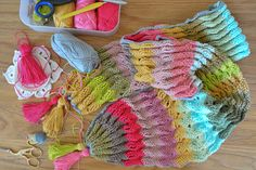 Fun ripple crochet scarf project + a DIY kit – CrochetObjet by MoMalron