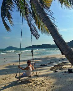 Joceyln travel itinerary beach