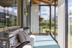 Rivitalokodin lasitettu terassi Terrace, Windows, Interiors, Balcony, Porch, Window, Decorating, Ramen, Deck