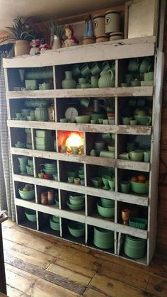 Where farmhouse meets vintage.What a collection of jadeite! Antique Glassware, Vintage Kitchenware, Vintage Dishes, Vintage Green, Vintage Decor, Ikea, Glass Kitchen, Displaying Collections, Carnival Glass