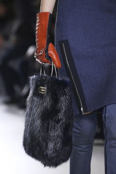 Balenciaga Fall 2014 RTW - Details - Fashion Week - Runway, Fashion Shows and Collections - Vogue Fashion Handbags, Fashion Bags, Fashion Show, Fashion Accessories, Womens Fashion, Fashion Design, Fur Fashion, 2014 Fashion Trends, 2014 Trends