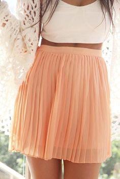peach skirt with pleats. Vestidos Color Pastel, Pastel Colors, Pastels, Pastel Pink, Pink Color, Colours, Look Fashion, Fashion Beauty, Peach Skirt