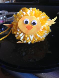 Pom Pom chick Pom Pom Animals, Pineapple, Fruit, Cake, Desserts, Food, Tailgate Desserts, Deserts, Pine Apple
